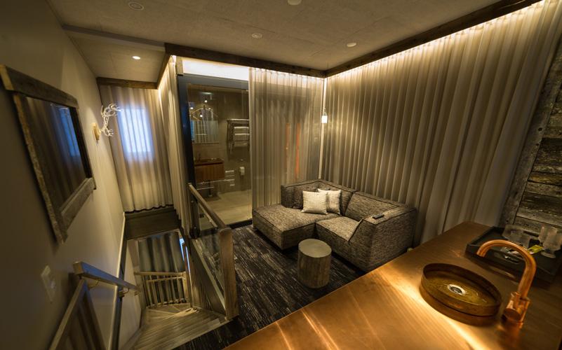 finlande-voyage-de-noces-AV-living-upstairs